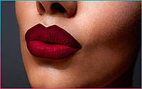 Быть в тренде: как сделать макияж губ с эффектом омбре