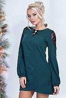 Платье женское с гипюровыми вставками на плечах и спине, изумруд