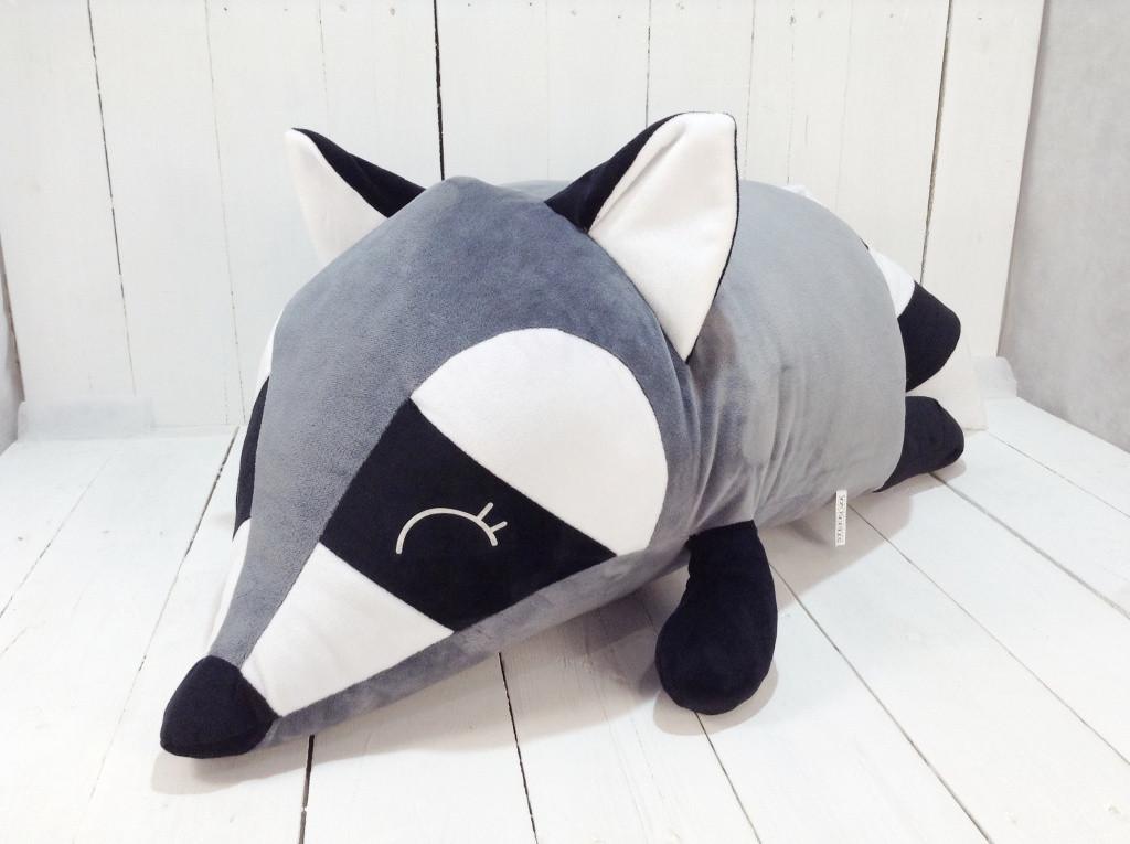 Мягкая игрушка подушка валик Strekoza Енот 60 см серый большой