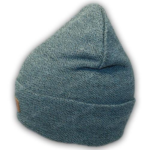 Осеняя вязанная шапка с отворотом