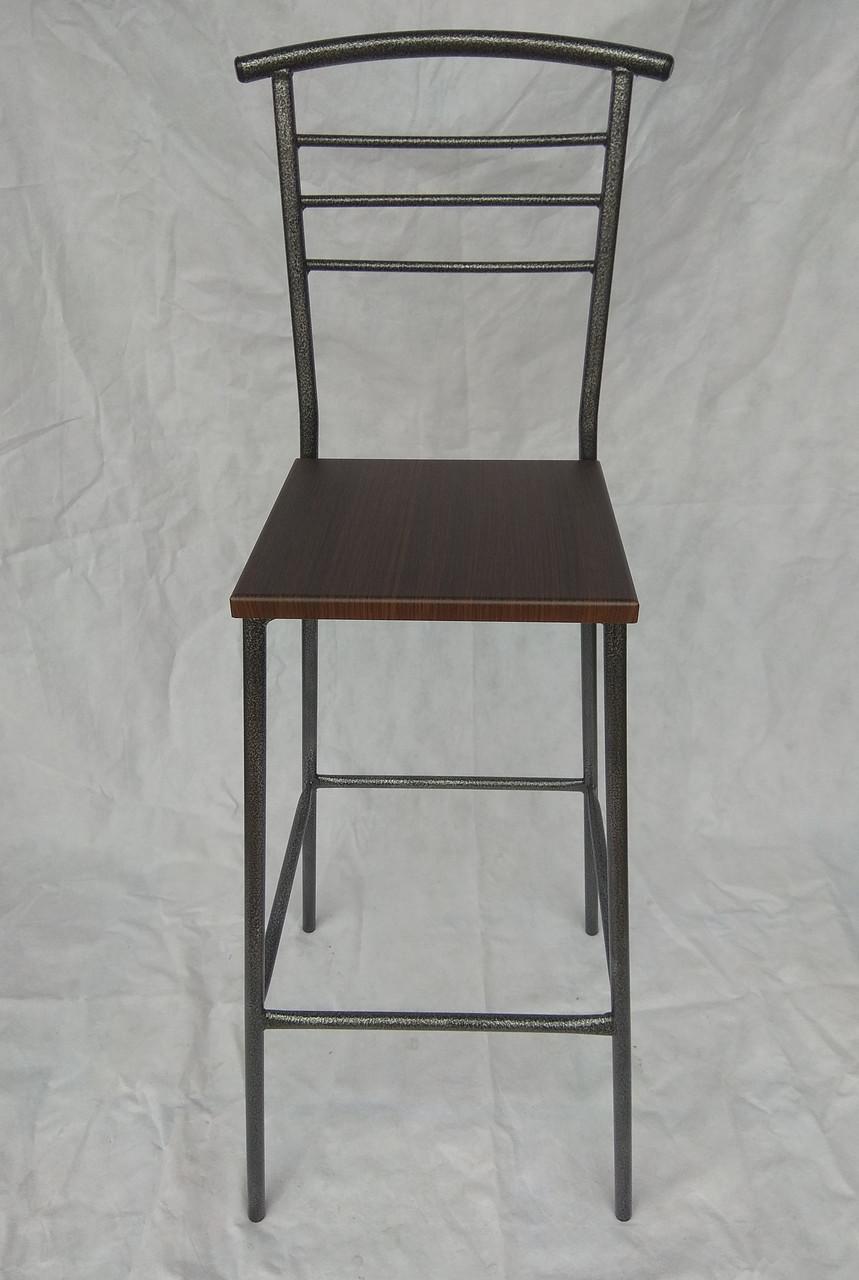 Барный стул на металличсеком каркасе