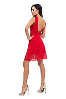 (M) Нарядное платье красного цвета с открытой спиной