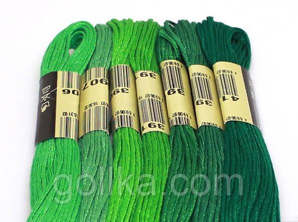 Зеленое мулине для вышивания