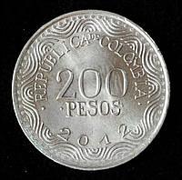 Монета Колумбии 200 песо 2012 г. Красный ара