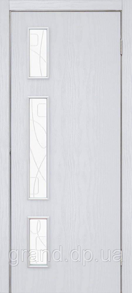 Двери межкомнатные Омис  Соло СС+КР ПВХ со стеклом и  контурным рисунком, цвет ясень перламутр