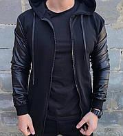 Мужская куртка/бомбер с рукавами из эко-кожи и капюшоном черного цвета