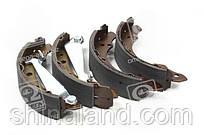 Тормозные колодки барабанные AUDI 100, SEAT CORDOBA, SKODA FELICIA, VW PASSAT задние (TRW) GS8526 OE 1H0609525B