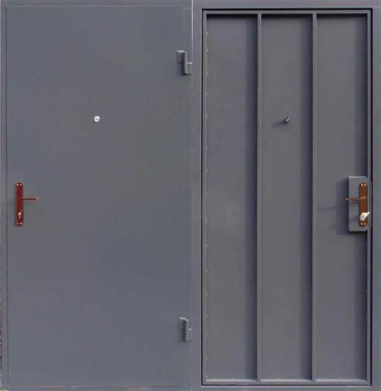 Металлическая входная - техническая  дверь сталь 2мм.  с Засовом под навесной замок