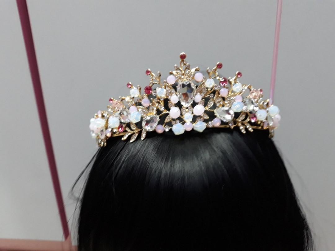 Нежно розовая тиара корона на голову горный хрусталь