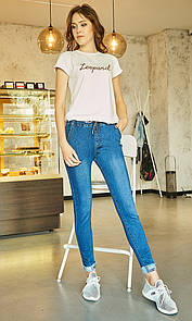 Стрейчевые джинсы в синем цвете