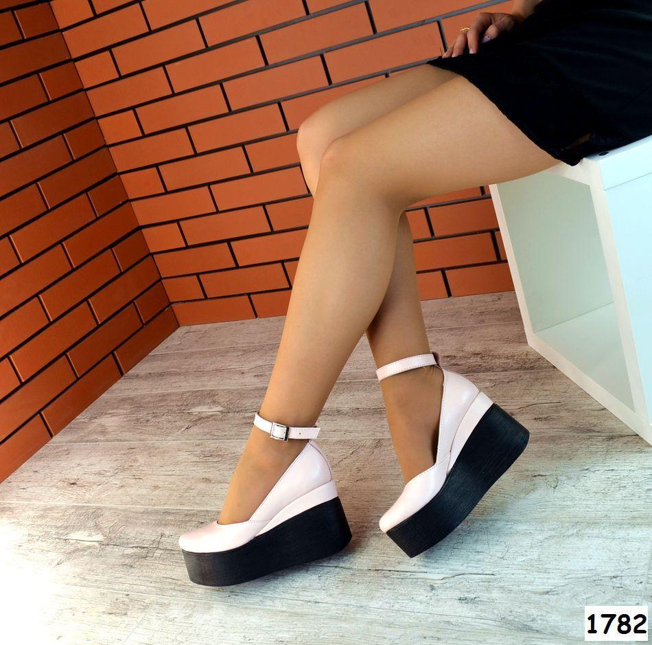 Женские Туфли на платформе с ремешком. Размер 39 40