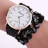 Модные женские часы-браслет Geneva с цветами и стразами (Чёрные)