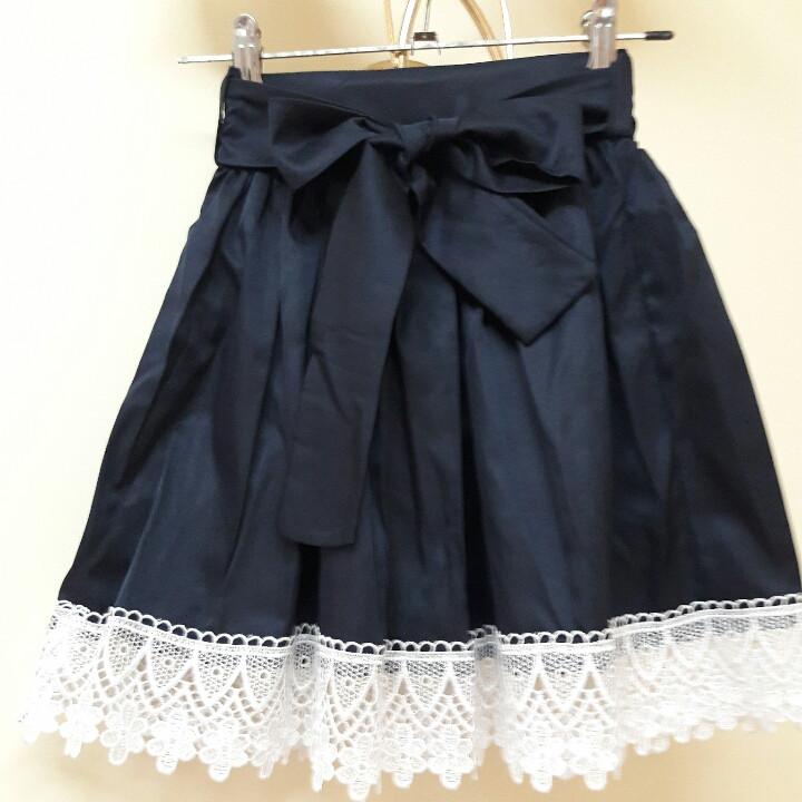Школьная юбка с кружевом и поясом для девочки