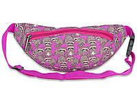 Поясная детская сумка ярко-розового цвета с принтом енотов