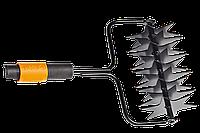Инструмент для аэрации газонов Fiskars QuikFit™