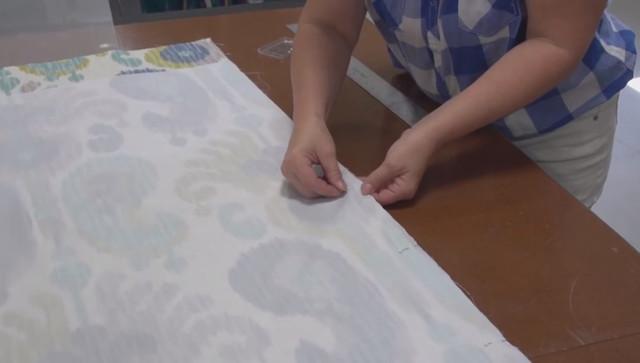 Римские шторы своими руками ― фиксация подкладочной ткани