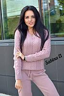 Вязаный женский костюм с манжетами и узорной вязкой на джемпере 7kos101