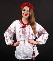 Очаровательная женская сорочка вышиванка выполнена в украинском стиле