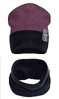 Теплый комплект из шапочки и хомута бордового цвета