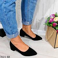 Классические черные женские туфли