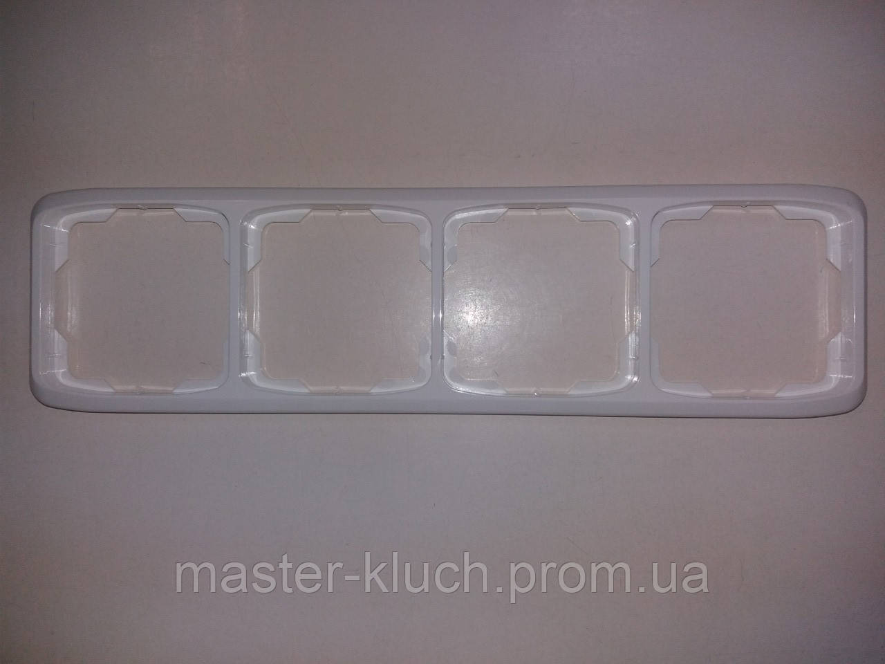 Рамка четверная горизонтальная ABB Tango, фото 1