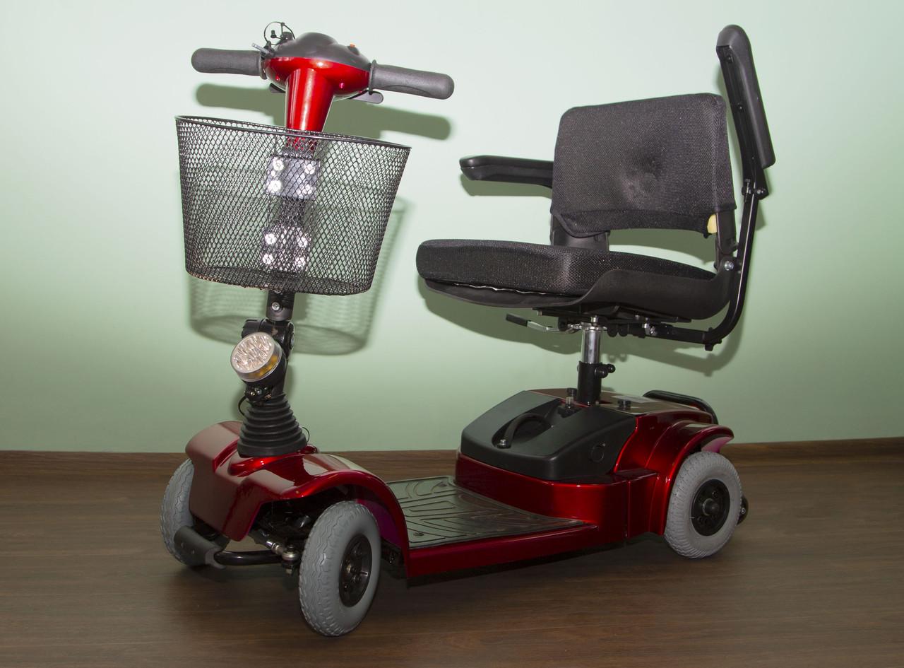 Мини-скутер для инвалидов и пожилых людей