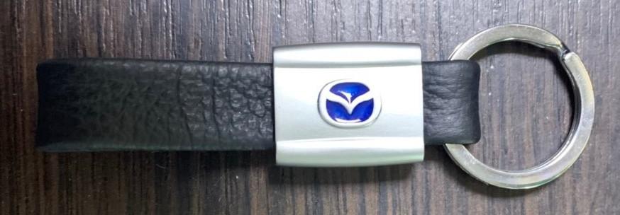Брелок из натуральной кожи для ключей с логотипом Mazda