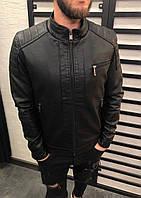 Куртка мужская из кожзама черная с воротником стойка и молниями на рукавах