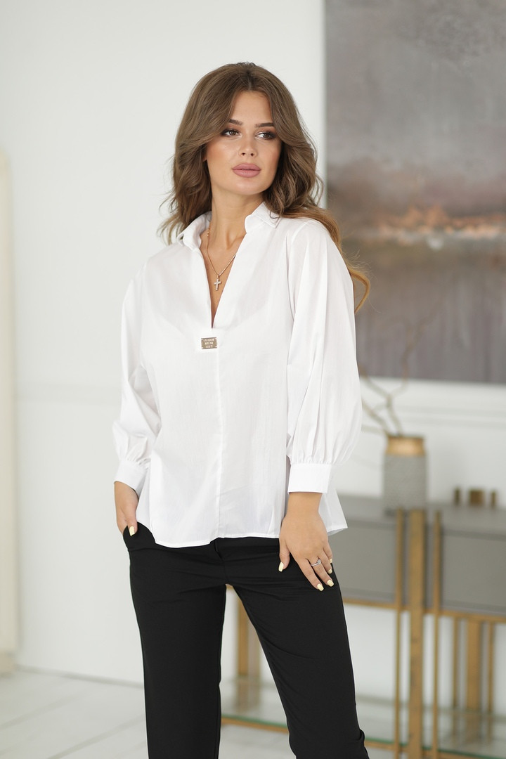 Нарядная женская белая блузка с разрезиком по спинке 42-48р.