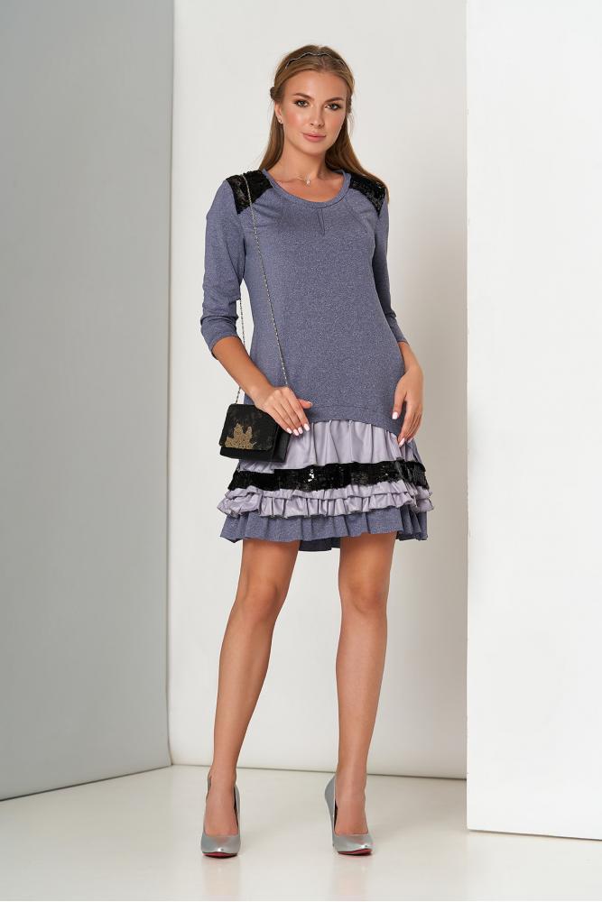 Красивое платье мини с рюшами и пайетками