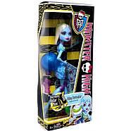 Кукла Монстер Хай Эбби Боминейбл Убойный Роликовый Лабиринт Monster High Roller Maze Abbey Bominable, фото 3