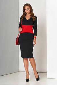 Трикотажное платье футляр в офисном стиле черное