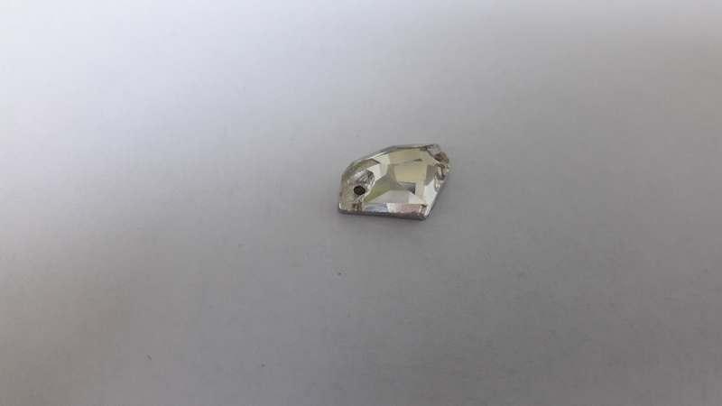 3256 8.5*14 Crystal (безформенный), шт
