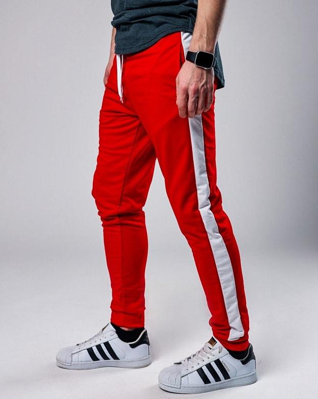 Мужские спортивные штаны с лампасами красного цвета