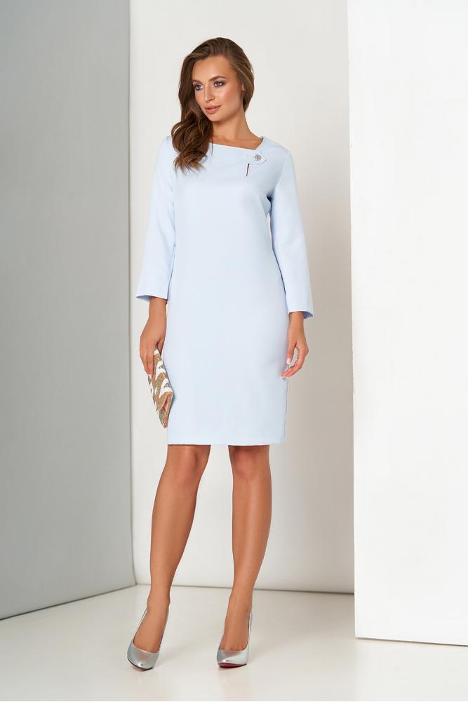 Стильное платье миди офисное голубого цвета