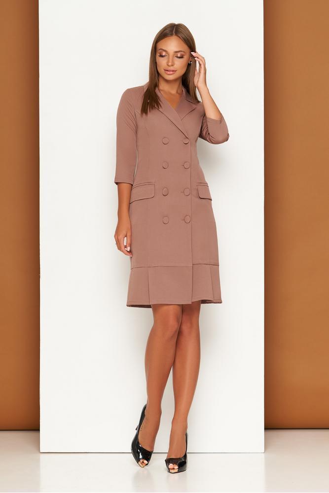 Элегантное платье пиджак в деловом стиле бежевое