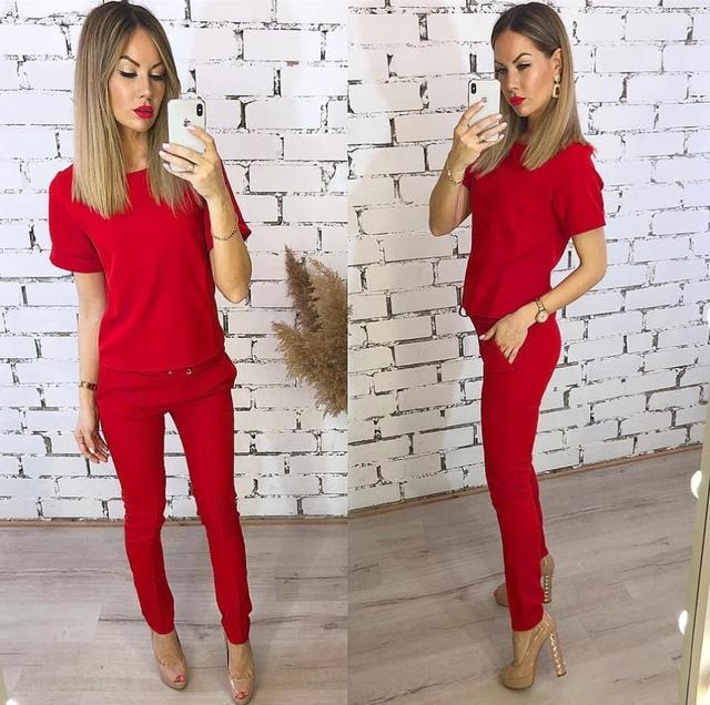 Женский красный костюм оптом Arut оптовый интернет магазин женской одежды арут