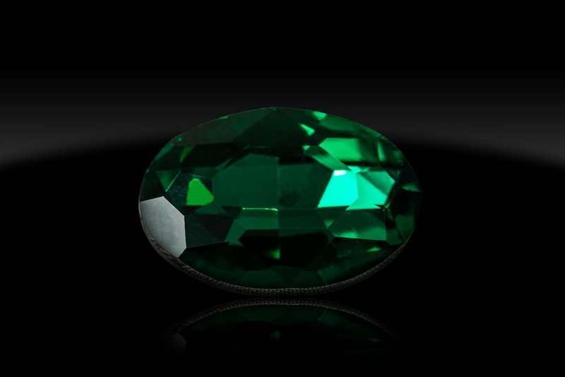 Камни зеленые 20*30 овалы, шт