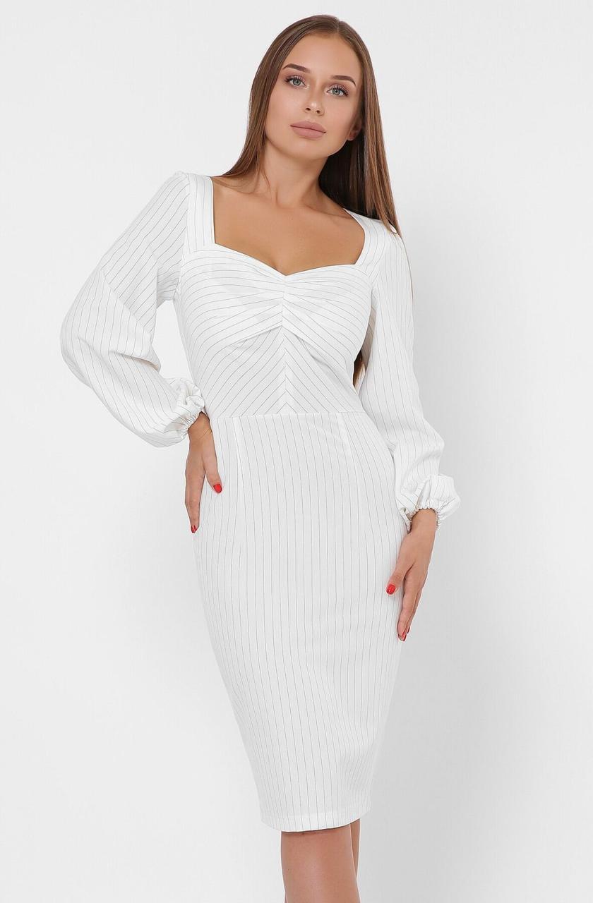 Облегающее белое платье-футляр в деловом стиле
