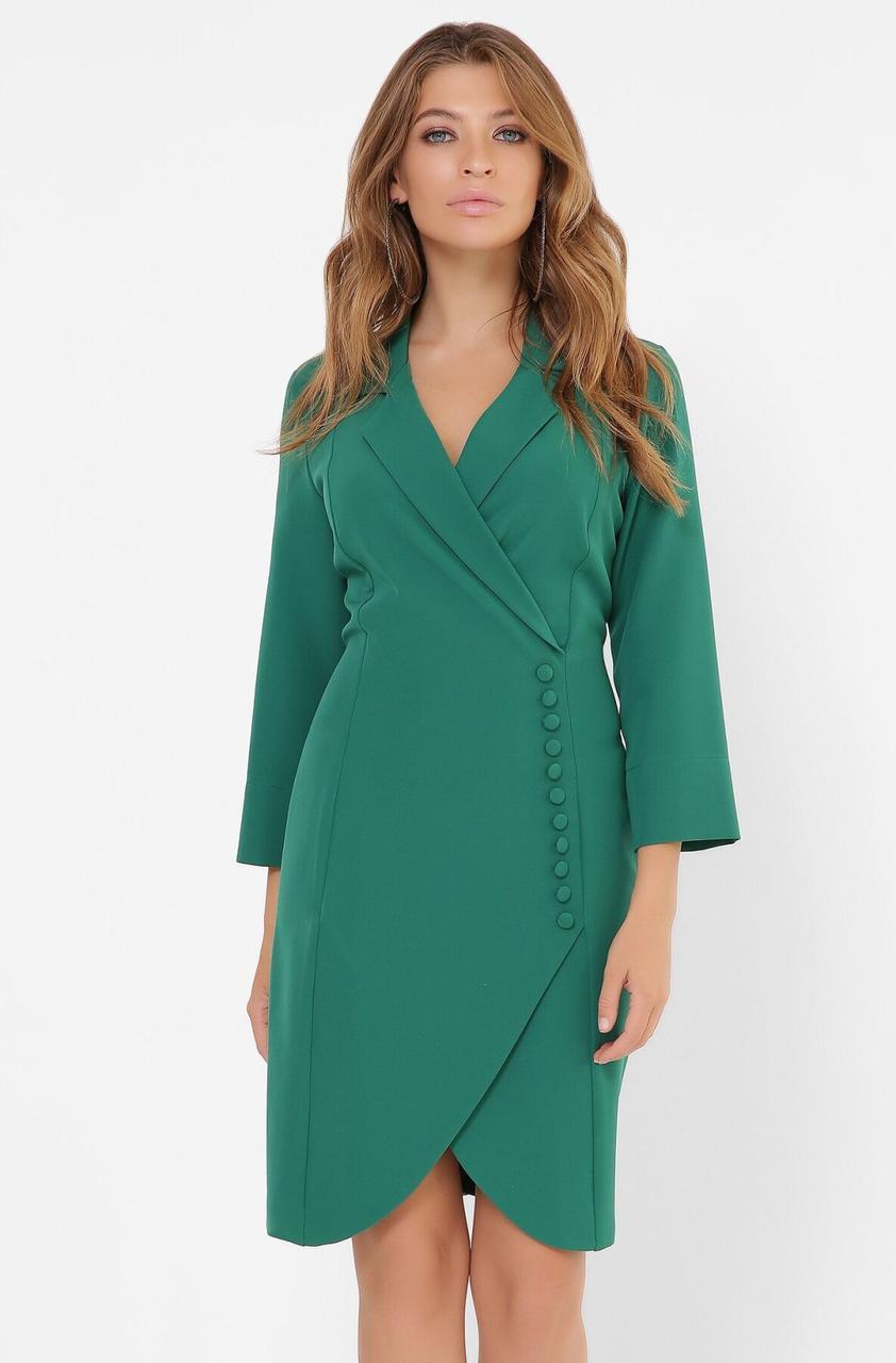 Зеленое платье-пиджак в деловом стиле