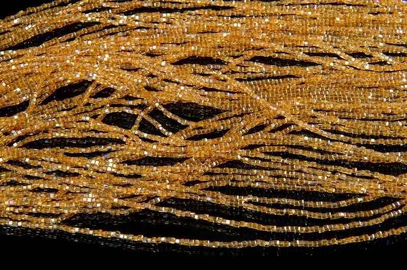 Хрусталь на нитке 2*2 квадрат золотой