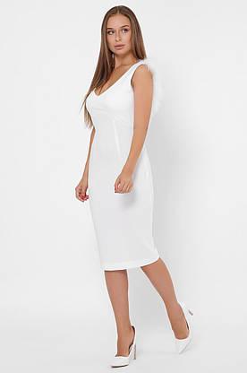 Белое коктейльное платье-футляр с перьями, фото 3