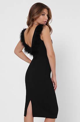 Черное коктейльное платье-футляр с перьями, фото 3