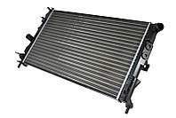 Радиатор охлаждения Opel Vectra B (1.6-2.2) 1996-2002 (608*377*26mm) МКПП