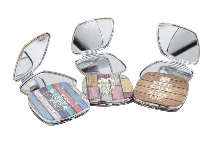 Зеркало для макияжа карманное Keep Calm and Kiss Me