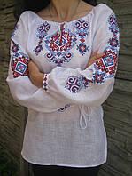 Вишиванка жіноча з геометричним орнаментом червоно-синіми кольорами з поясом