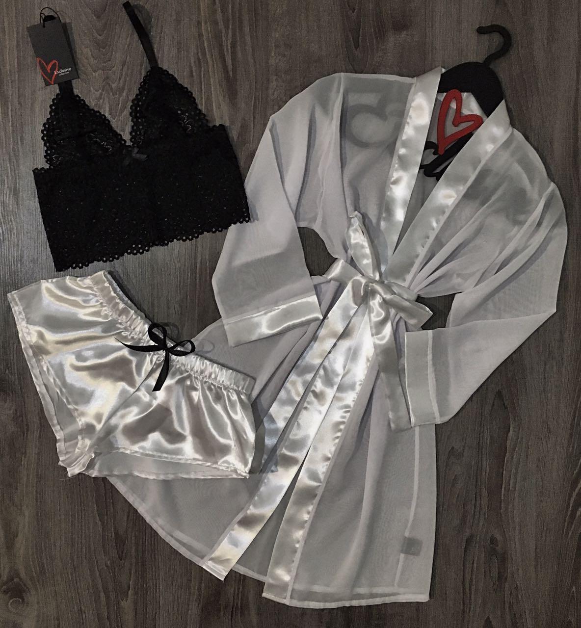 Білий набір одягу для сну і відпочинку халат+піжама.