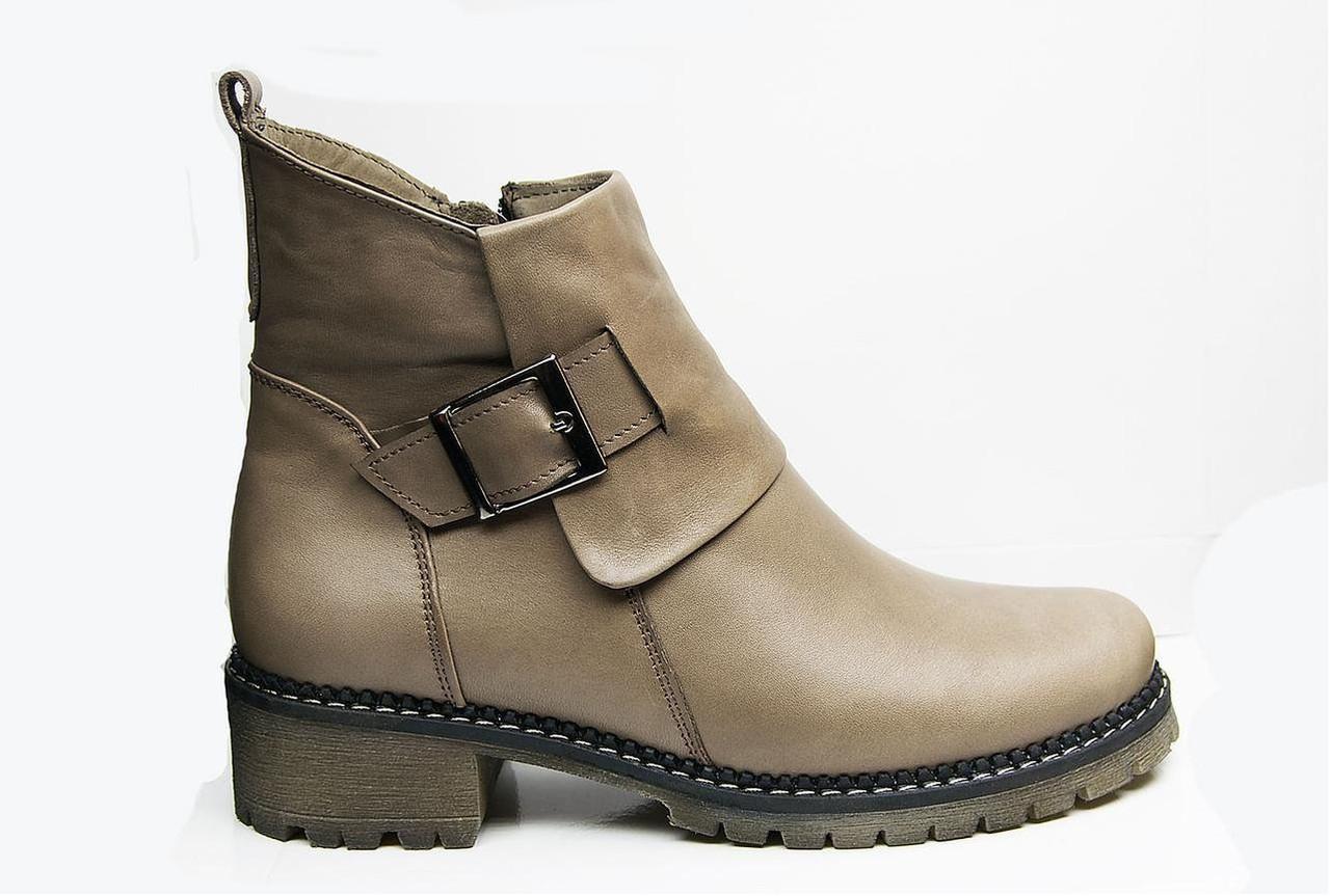 Ботинки женские из натуральной кожи   36-41 светло-коричневый