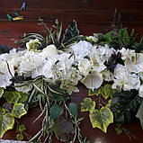 Экзотик-композиция из белых цветов и зелени, фото 2