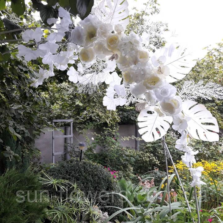 Композиція штучна біла з квітів